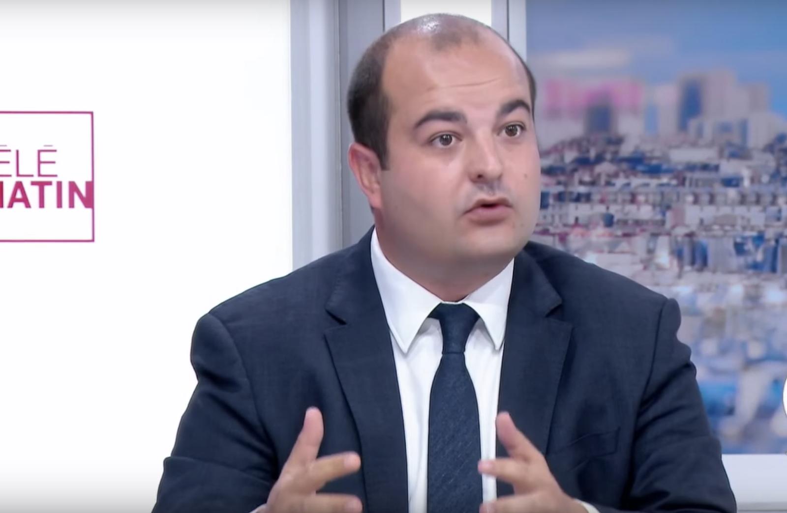 """""""Pires heures de notre histoire"""":  à Fréjus, David Rachline (RN) décrète un couvre-feu pour les mineurs"""