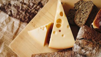 ¿De dónde viene la palabra «queso»?