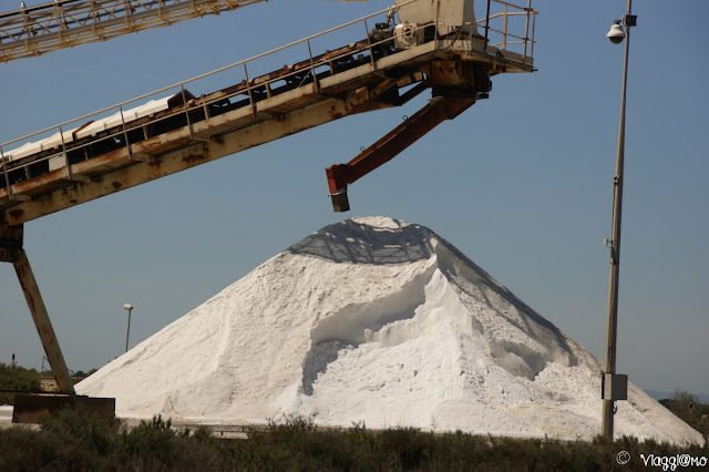 Il sale stoccato e prodotto nelle saline di Aigues Mortes