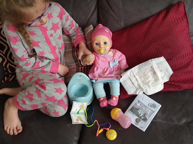 elli-smiles-interactive-doll-accessories