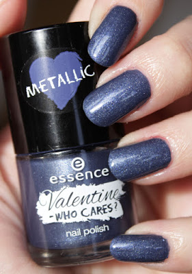 http://lacquediction.blogspot.de/2016/01/essence-valentine-who-cares-nagellacke.html