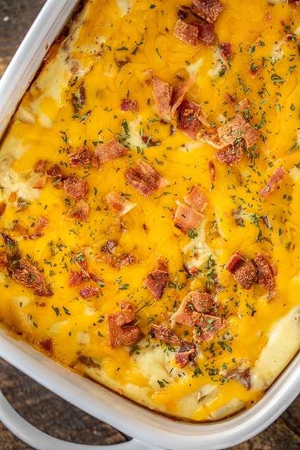 Low-Carb Crack Chicken Casserole - seriously delicious! You'll never miss the carbs! Chicken, cheddar, bacon, ranch, eggs, heavy cream. Can make in advance and freeze for a quick meal later. Everyone LOVES this casserole! #chicken #casserole #lowcarb
