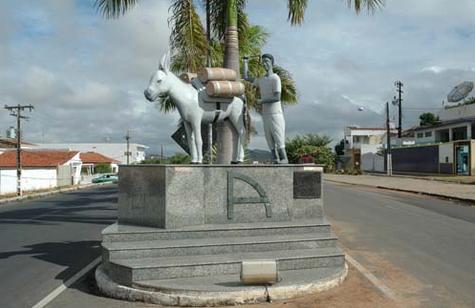 Em Santana do Ipanema,  Prefeito sanciona lei do aumento de salário de prefeito, vice, secretários e vereadores