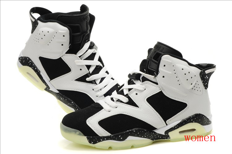 55a90e292238e8 Women nike air jordan shoes light up is black and white. This colours are  simple and clearly. I like it. It is comfortable. I like to play basketball  ...