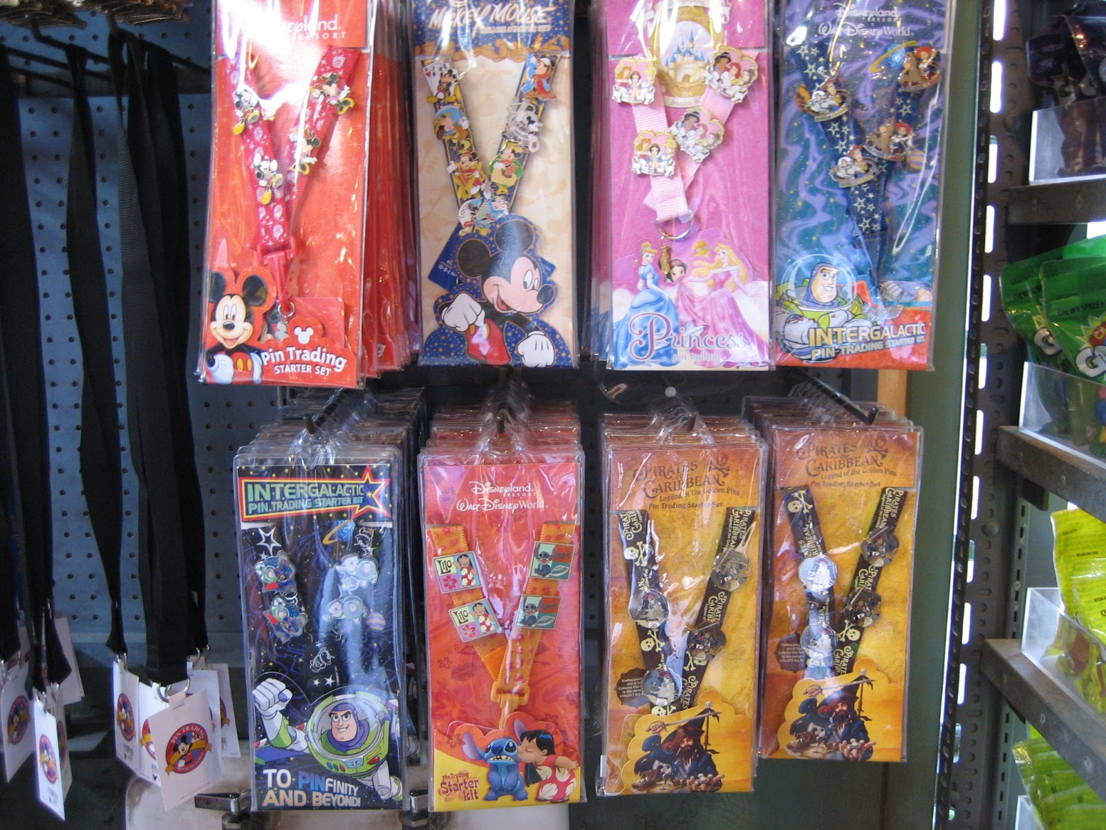 A Guide To Pin Trading At Walt Disney World Sand And Snow