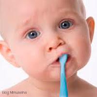 los primeros dientes, limpiar los dientes bebé, blog mimuselina