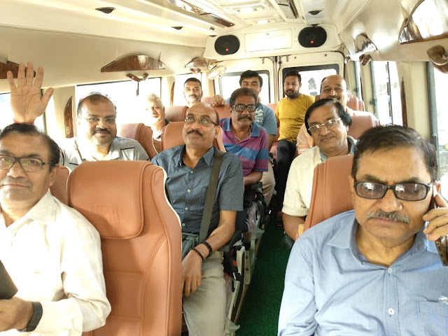 LUXURY TEMPO TRAVELLER ON RENT IN PATNA-  WWW.CALLMICABS.COM