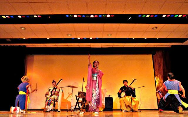 Kirakuza, shamisen, wadaiko y danza japonesa