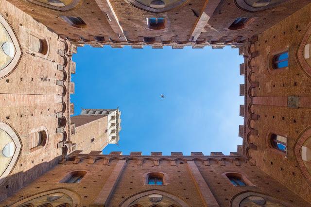 torre palazzo del mangia siena toscana