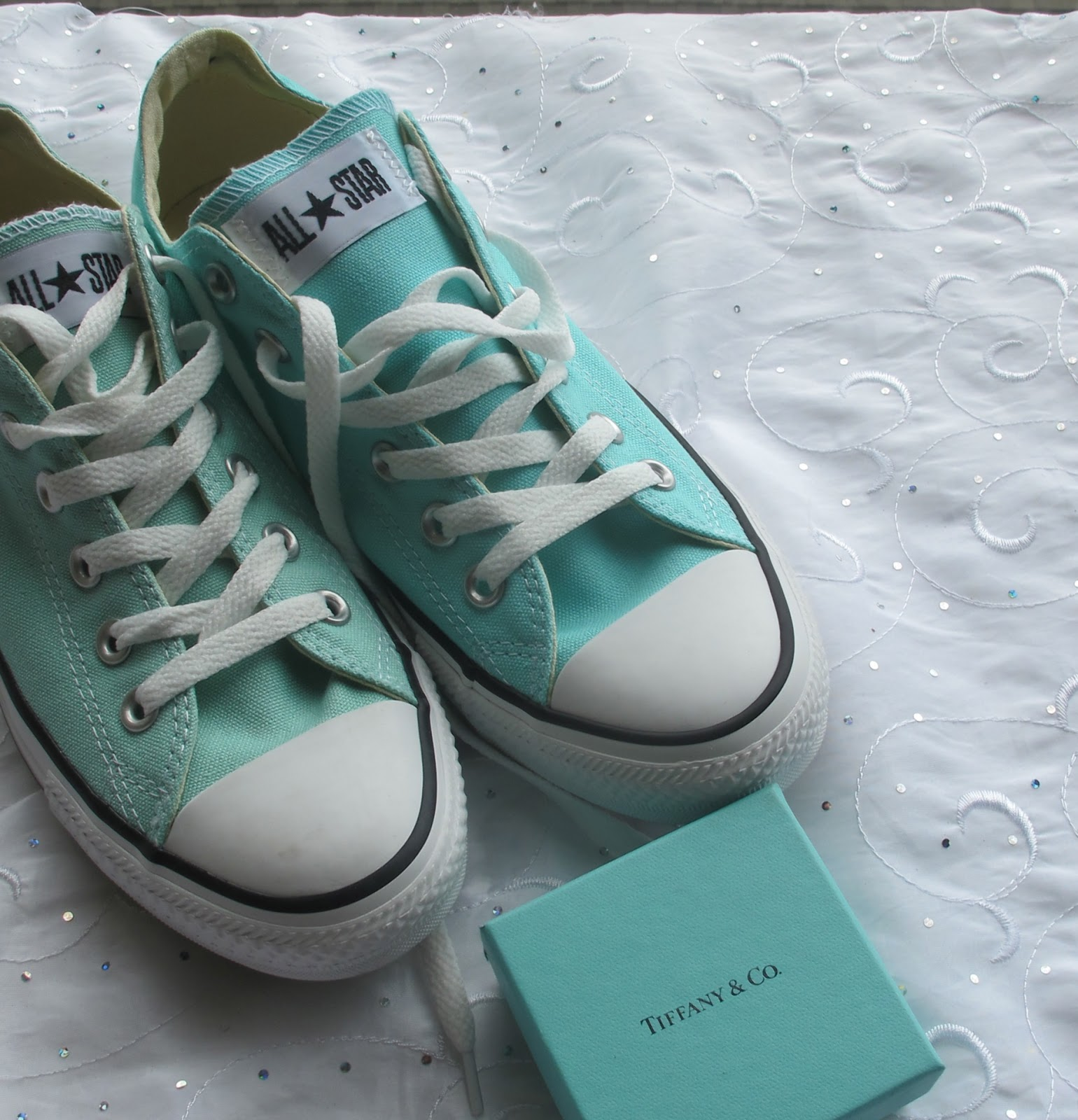 c26f482c1642 Converse Aruba Blue VS Beach Glass  Which one is a Tiffany   Co dupe ...