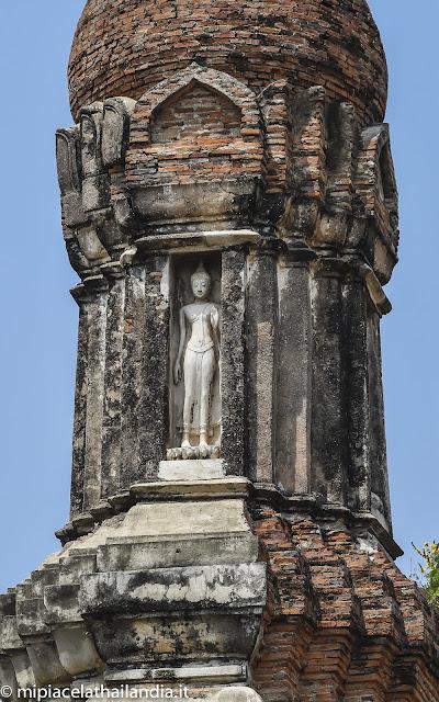 Wat Traphang Ngoen, Sukhothai, main chedi, standing Buddha