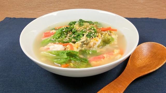 簡単!リーフレタスと具材たっぷり卵中華スープ