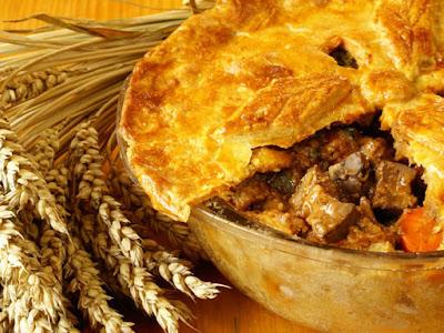 فطيرة لحم الخروف بالجبنة والخضار