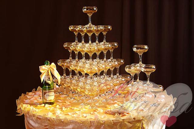 Как сделать пирамиду из шампанского на свадьбу, алкоголь, бармен, пирамида, праздники, свадьба, угощение, шампанское, шоу, юбилей, шоу барное, шампанское свадебное, пирамида из шампанского, пирамида на свадьбу, пирамида на юбилей, напитки алкогольные, развлечения свадебные, развлечения юбилейные, шоу для гостей, угощение для гостей, мероприятия праздничные,   http://prazdnichnymir.ru/,