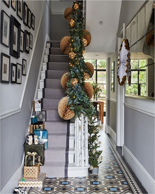 narrow hallway decorating ideas
