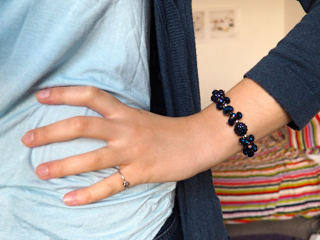 Stitch Disneybound inspired outfit jewellery details of dark blue beaded bracelet