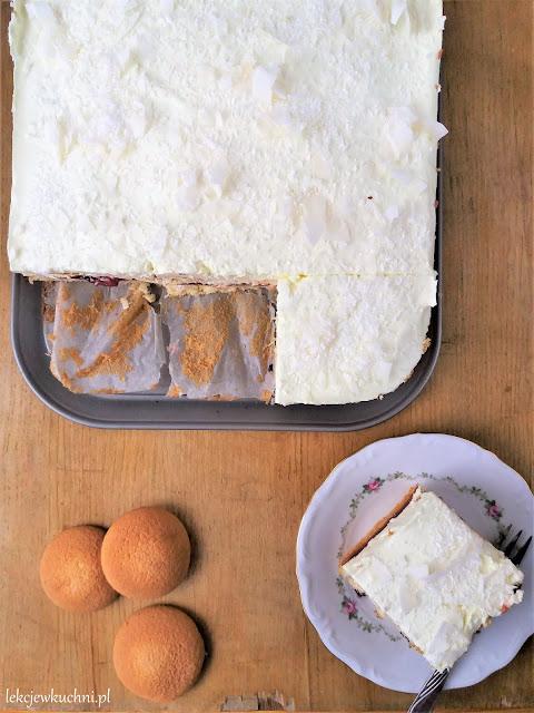 Ciasto bajeczne z kremem budyniowym i biszkoptami przepis