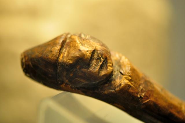drewniana figurka z Gniewu - Starego Miasta