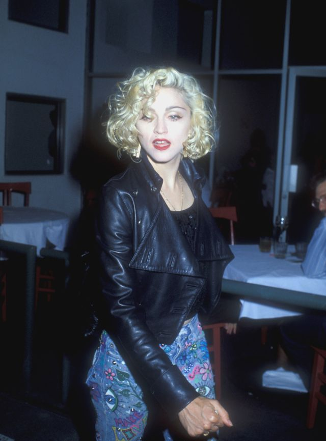 30 Candid Photographs Captured Madonna On The Streets From