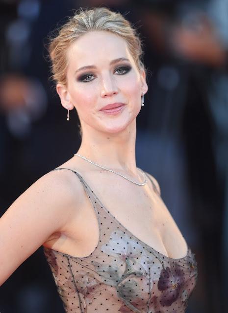 "Jennifer Lawrence – ""Mother!"" Premiere in Venice"