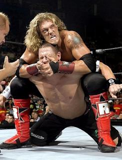 Foto pertarungan Edge di WWE