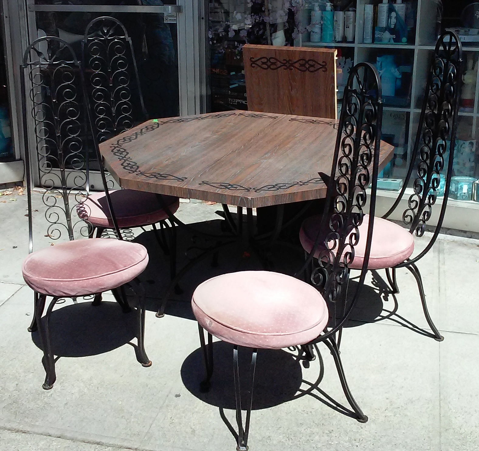 Uhuru furniture collectibles sold bargain buy 1852 for Furniture 70s style