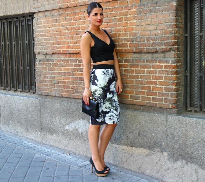 5a91e53d7a Hoy os traigo un look que sin duda es uno de mis favoritos del blog por  varias razones. Me encanta este tipo de faldas tubo