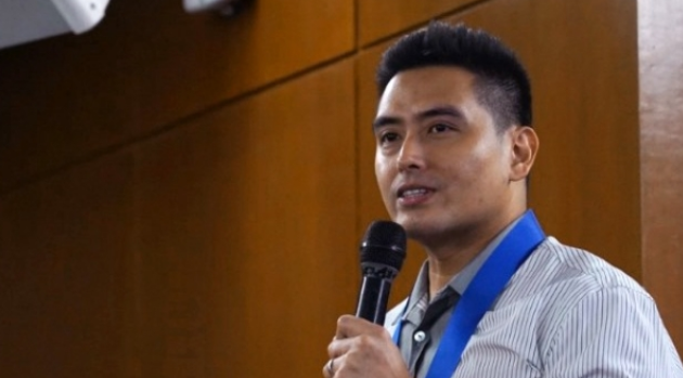 """Vargas admits mistake, apologizes for P50,000 fine on """"no homework"""" bill"""
