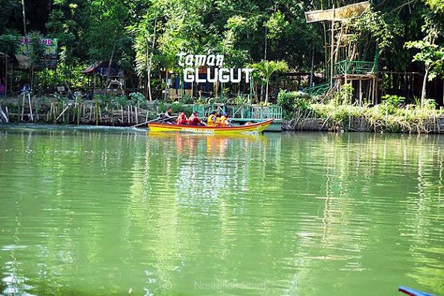 Taman Glugut Bantul Destinasi Wisata Kebun Bambu Di Tepian Sungai
