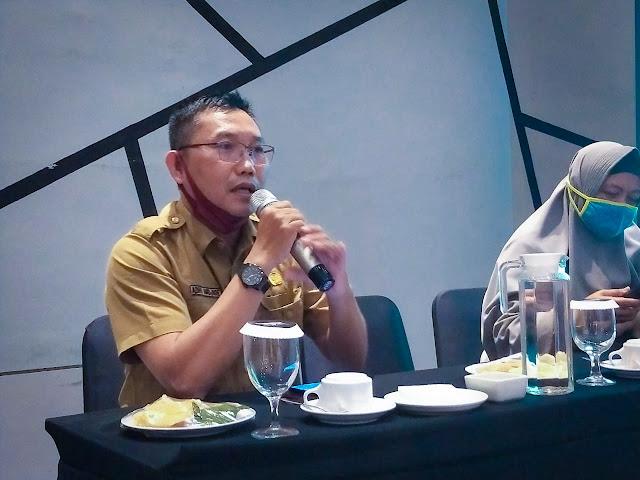 Yosafat Triadhi Andjioe ST MM MT, Kepala Bidang Penanganan Sampah Limbah B3 dan Pengendalian Pencemaran Dinas Lingkungan Hidup dan Kehutanan Kalbar
