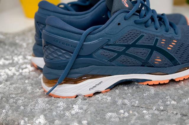 poduszka żelowa w butach do biegania Asics