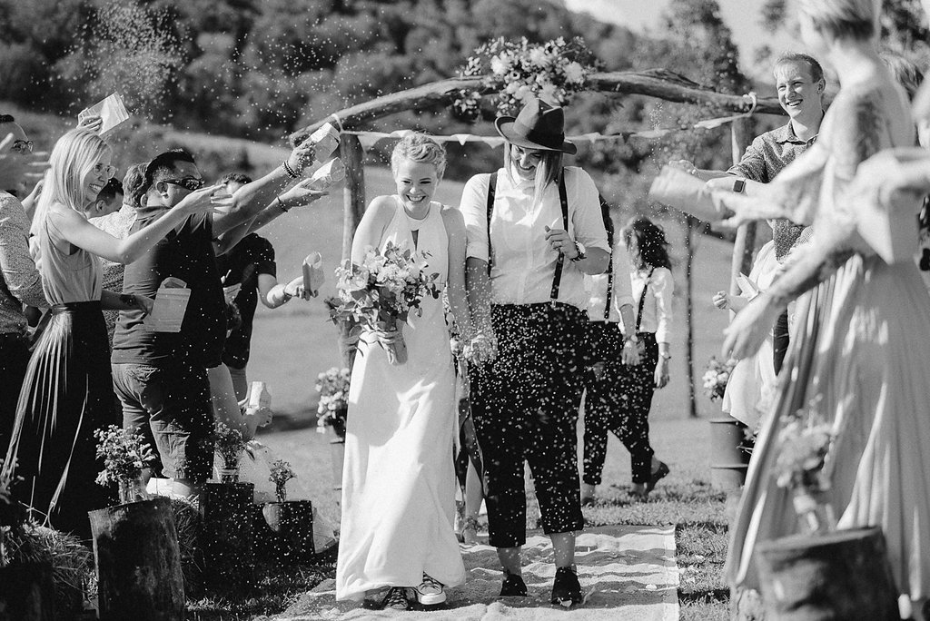 LOVE: NIKKI AND KARA | COUNTRY CHIC DIY WEDDING SUNSHINE COAST QLD