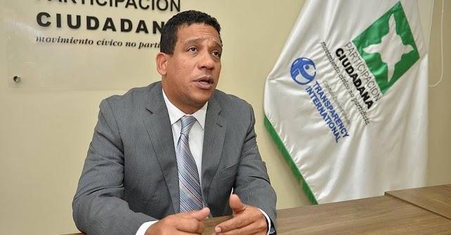 Pimentel rechaza licitación de vehículos viole decreto austeridad Gobierno