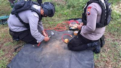 Warga Mojoroto Temukan Benda Diduga Mortir, Team Jibom Satbrimob Polda Jatim Berhasil Mengamankan