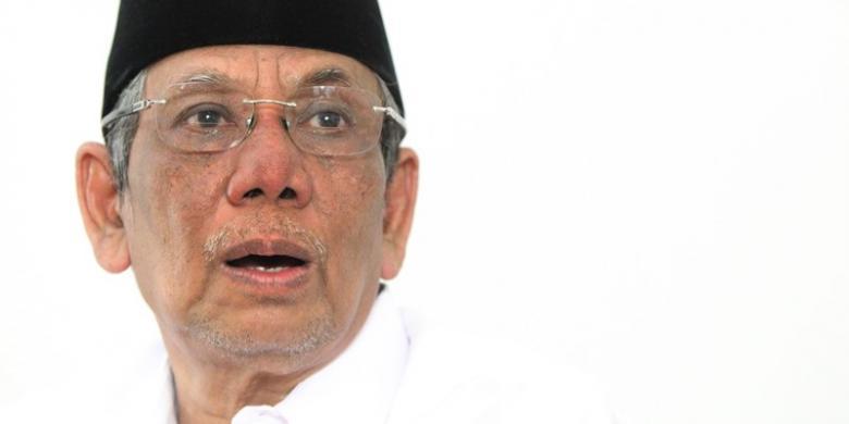 Inna Lillahi wa inna ilaihi raji'un KH Hasyim Muzadi Wafat