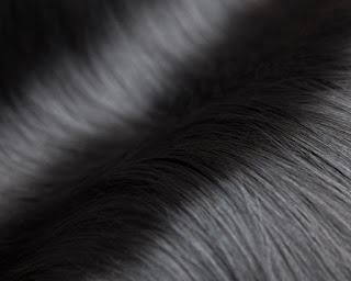 cara merawat rambut hitam berkilau agar tetap sehat