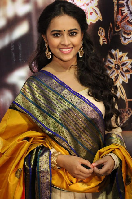 Sri Divya at Kaashmora Audio Launch press meet