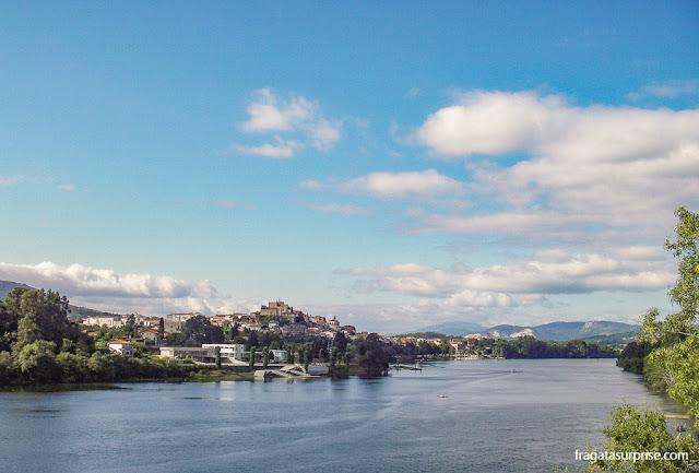 Rio Minho e cidade de Tuy, no Caminho de Santiago