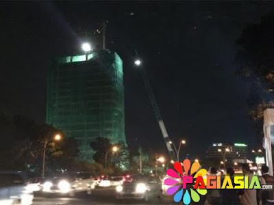 Gedung Kosong Milik Bank Panin di Bintaro Akan Dirobohkan Kemarin Malam