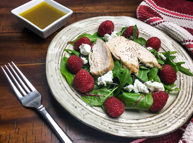 Chicken salad ideas for dinner - quick and easy to make raspberry chicken salad (satiating too)