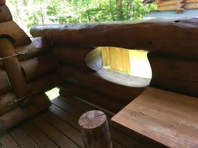 八丁の湯 ログハウスのバルコニー