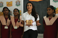 Actress Priya Anand in T Shirt with Students of Shiksha Movement Events 50.jpg