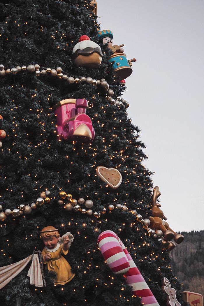 Promenade au hameau du Père Noël en Haute-Savoie