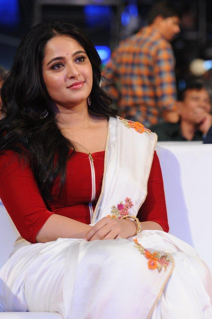 Anushka Stills At Baahubali 2 Movie Pre Release Function