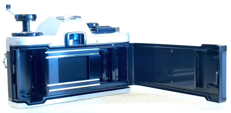 Olympus OM10 (Chrome) Body #366, Zuiko Auto-S 50mm 1:1.8 #902