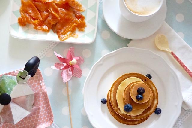 pancakes sciroppo d'acero e mirtilli