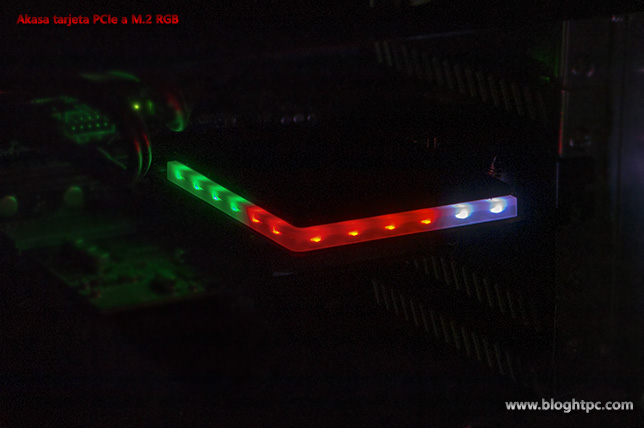 ILUMINACIÓN AKASA ADAPTADOR PCIEXPRESS A M.2 RGB