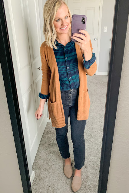 layered flannel shirt with black jeans #flannelshirt