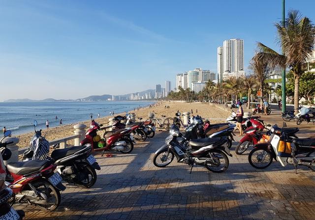 Nha Trang cho tắm biển trở lại từ 04/05/2020 sau thời gian cách ly xã hội 2