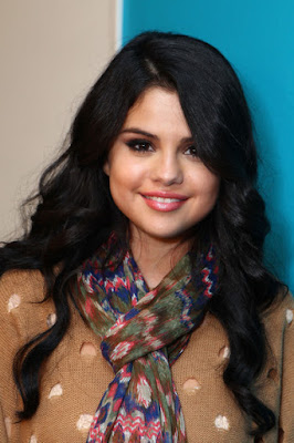 Selena Gomez Hairstyle Ideas for Teen Girls